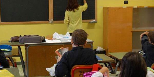Cosenza, insegnavano con diplomi falsi | Emesso un avviso di garanzia a 33 docenti