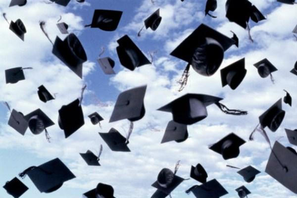 Universit italia maglia nera nell 39 ue il paese con il for Numero di politici in italia