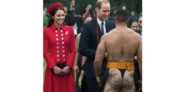 William e Kate in Nuova Zelanda, tra vestiti che si alzano e sederi scoperti /FOTO /VIDEO