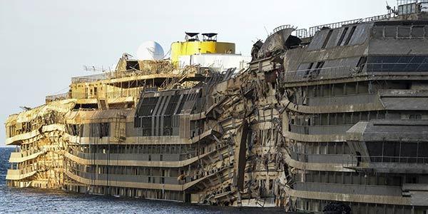 Concordia, è braccio di ferro per lo smaltimento   La Toscana dice di no a Genova e a Costa