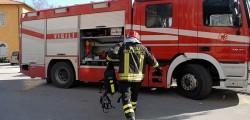 vigili del fuoco,brescia incendio palazzina tre feriti