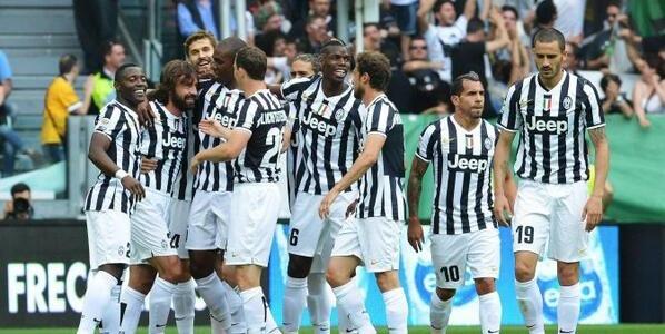 Juventus da record: 102 punti in serie A | Bastano 45 minuti per il 3-0 sul Cagliari