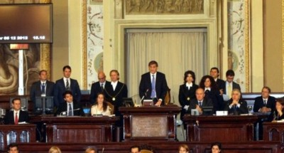 """La Sicilia approva il """"salva stipendi"""", stabilito un tetto per quelli """"d'oro"""""""