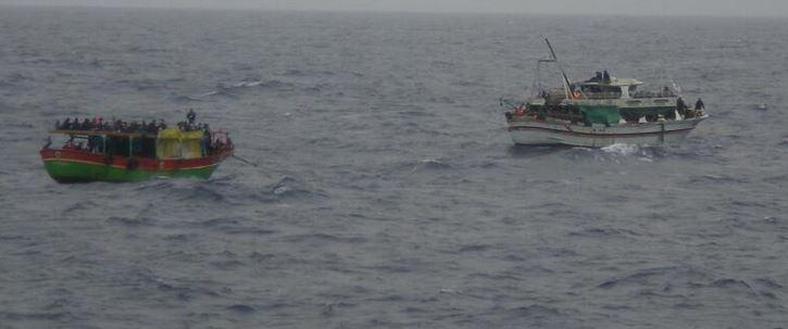 """Due barconi in difficoltà nel Canale di Sicilia   Napolitano: """"Troviamo una certa sordità dell'Ue"""""""