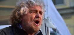 Beppe Grillo, er sinnaco nun se tocca, grillo salva la raggi, Raggi, Roma, Virginia Raggi