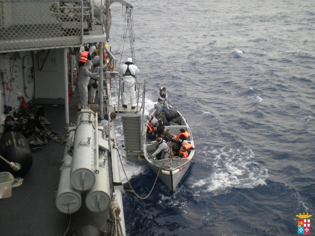 Non si fermano gli sbarchi in Sicilia | a Pozzallo arrivano 460 migranti