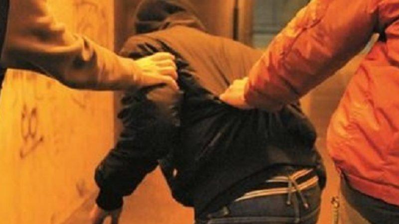 Ragusa, rapine e insulti omofobi: arrestati tre giovani