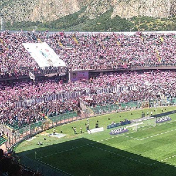 Palermo, biglietti falsi per entrare allo stadio: 9 arresti