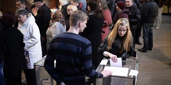 Ucraina, plebiscito per la separazione | Il referendum dei filorussi si chiude: 95% per il sì