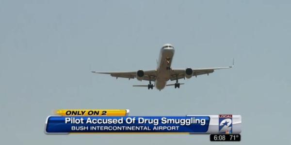 Usa, pilota di aereo si sente male: aveva 62 ovuli di cocaina nello stomaco
