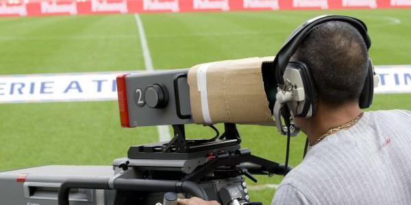 Diritti tv, Serie A: pubblicato il bando per il triennio 2018-2021. Rivoluzione orari