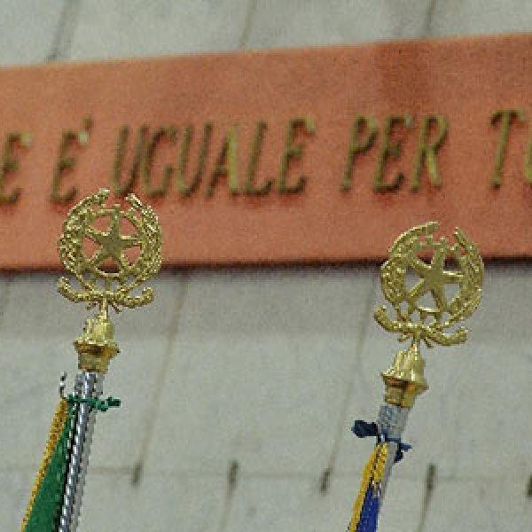 Perugia, due giudici accoltellati in tribunale |Sono leggermente feriti, arrestato l'aggressore