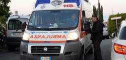 ambulanza, incidente, incidente stradale, macerata, morta mamma, morta bambina, ferito marito