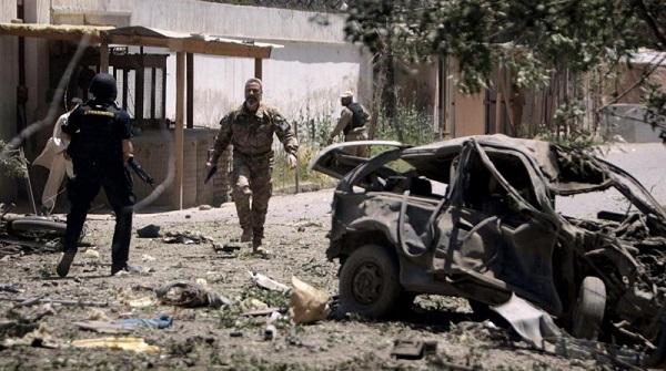 Afghanistan, kamikaze contro il consolato tedesco | L'attacco dei talebani causa 4 morti e 115 feriti