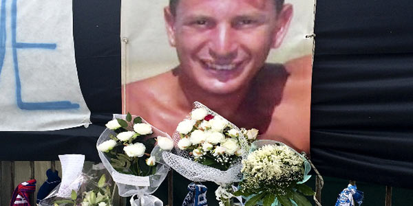 Scampia aspetta Ciro per l'ultimo saluto | De Santis trasferito all'ospedale Belcolle di Viterbo