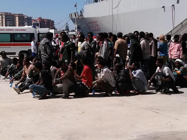 Atene rinvia il rimpatrio dei migranti  Sarebbe dovuto iniziare oggi, è caos