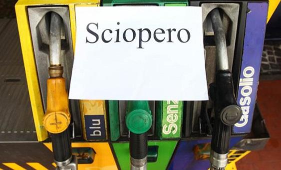 Benzinai, i sindacati proclamano uno sciopero per il 6 febbraio