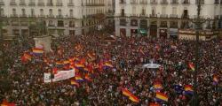 spagna, felipe, felipe re, felipe re 16 giugno, madrid, spagna vuole la repubblica, referendum per repubblica, spagnoli in piazza per la repubblica, juan carlos abdica
