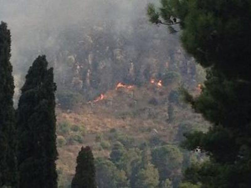allarme incendi sicilia, allarme incendio sciacca, incendi sicilia, incendio boccadifalco, incendio contrada Pierderici, incendio giardini naxos, incendio poggio ridente, incendio sciacca