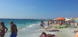 Malore in spiaggia, malore spiaggia, turista muore spiaggia, turista malore in spiaggia, malore spiaggia, infarto spiaggia, malore spiaggia fasano, spiaggia fasano, fasano