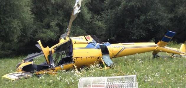 Elicottero Incidente : Cade elicottero antincendio due morti l incidente al