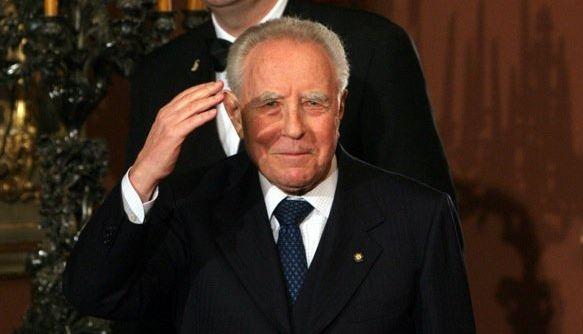 Ciampi è stato dimesso dall'ospedale di Bolzano | Continuerà a curarsi nella Capitale