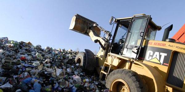 Tangenti e traffico illegale di rifiuti a Foggia | Scattano 19 arresti, sequestrati 9 milioni