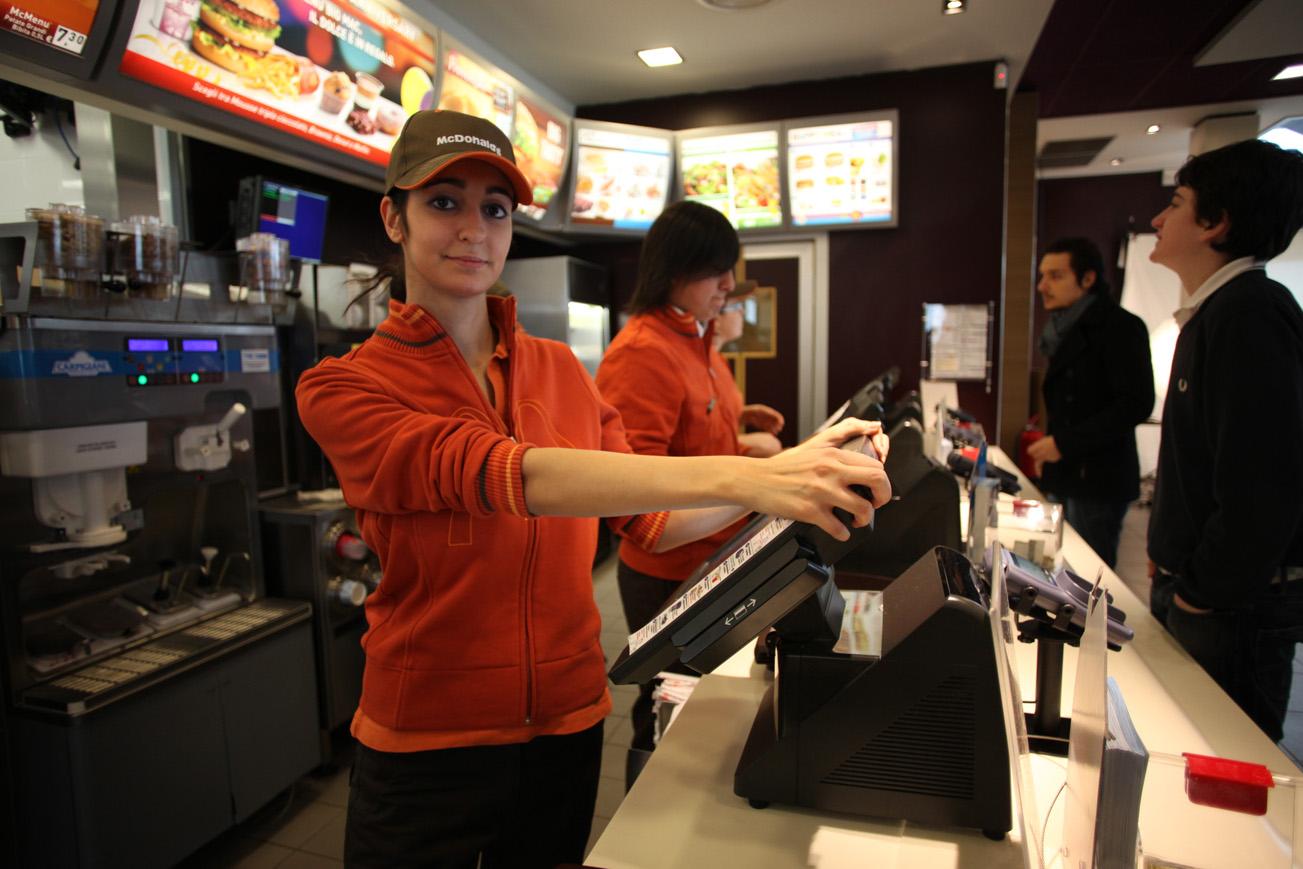 McDonald's cerca personale in Sicilia | Nuovo ristorante a Catania, al via le selezioni