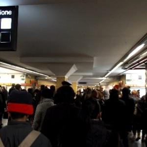 Allarmi bomba a ripetizione psicosi la metro di roma - Allarme bomba porta di roma ...