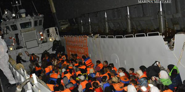 Migranti, false assunzioni per permessi in Lombardia: 171 persone indagate