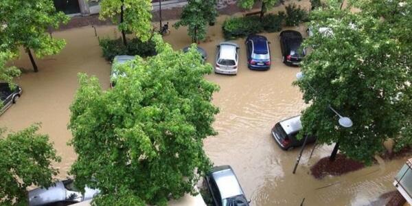 Maltempo, il Lambro non fa danni a Milano   Ancora temporali in tutto il Centro-Nord