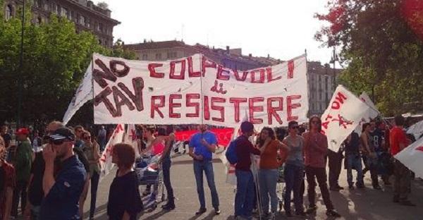 No Tav, manifestazioni contro gli espropri | Lacrimogeni e contusi al terzo valico