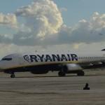 I dipendenti scioperano e Ryanair li sostituisce con nuovi equipaggi