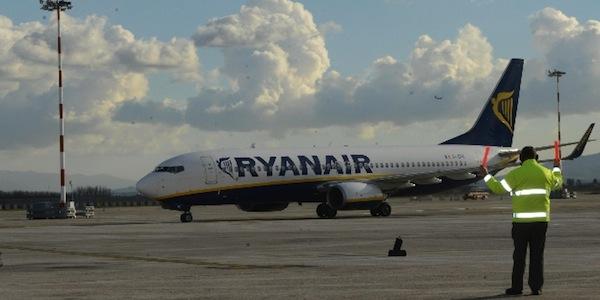 Sciopero e maltempo, disagi all'Aeroporto di Fiumicino: ritardi e voli cancellati