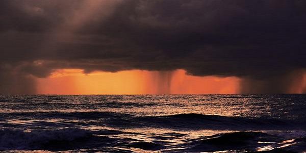 Ferragosto tra spiagge e tempo incerto | La strana estate italiana al giro di boa