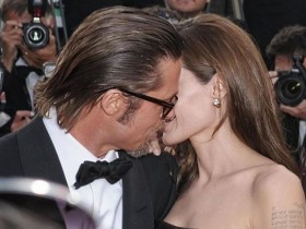 angelina jolie, Angelina Jolie e Brad Pitt sposi, brad pitt, brad pitt angelina jolie, brad pitt e angelina jolie, brad pitt sposa angelina, brad sposa angelina, brangelina, matrimonio angelina jolie, matrimonio angelina jolie e brad pitt, matrimonio brad pitt