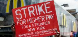 Sciopero dei lavoratori dei fast food americani | Sono decine le persone arrestate
