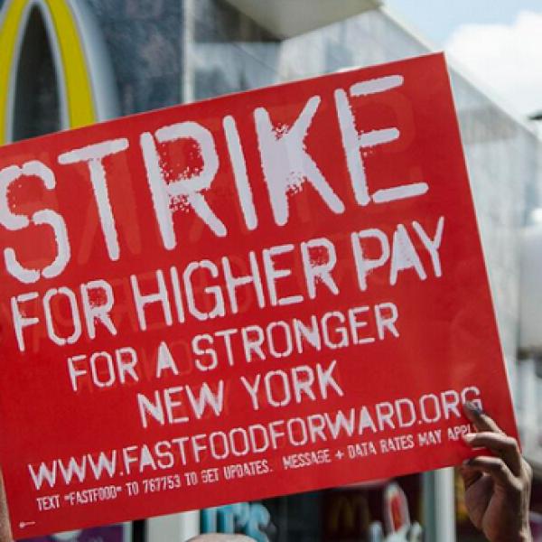Sciopero dei lavoratori dei fast food americani | Sono decine le persone arrestate /VIDEO