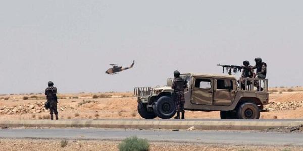 Ritrovata fossa comune contenente 400 cadaveri | Scontri tra miliziani dell'Isis e esercito iracheno