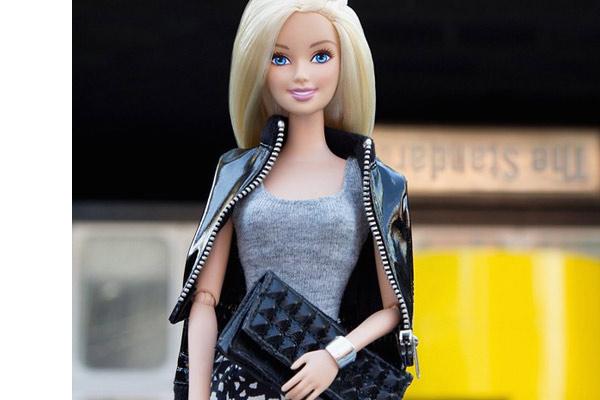 Barbie approda sul grande schermo, ecco chi la interpreterà