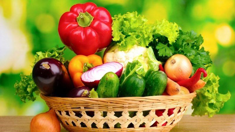 """Poca frutta e verdura, l'allarme dei pediatri: """"Il 50% dei bimbi mangia male"""""""