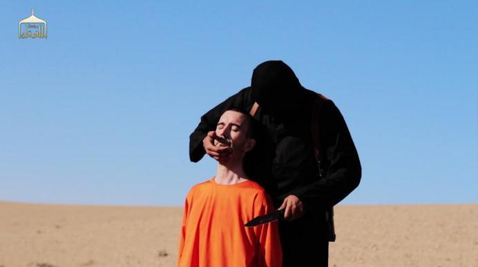 """L'Isis decapita il terzo ostaggio, è il britannico David Haines <u><b><font color=""""#343A90"""">VIDEO</font></u></b>"""