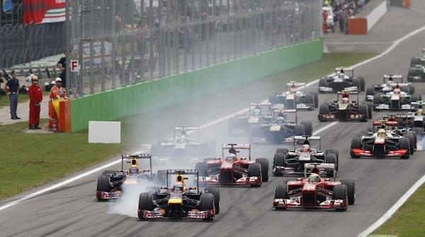 F1, trionfa Hamilton poi Rosberg e Massa | Alonso costretto al ritiro, Raikkonen decimo