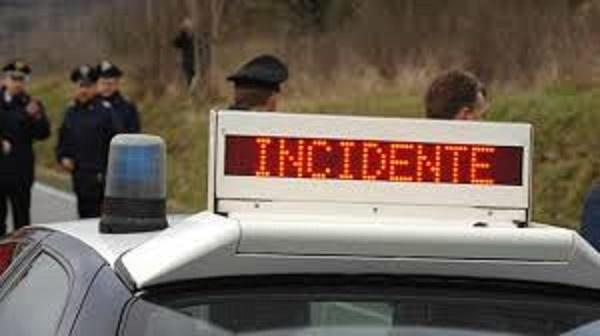 Schianto auto-moto sulle strade della Sardegna   Vigile urbano muore mentre si reca a lavoro