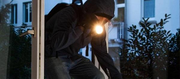 arresti milano, banda ladri Milano, banda topi d'appartamento milano, furti casa milano, Milano