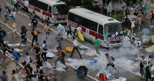 Hong Kong, nuovo scontro tra Cina e Stati Uniti