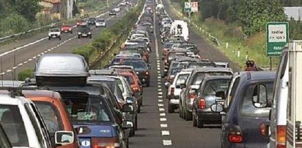 muore-in-autostrada-sulla-a14-muore-al-volante.jpg (600×294)
