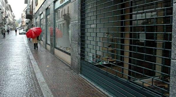 Confesercenti denuncia la crisi del commercio | I negozi? Ne apre uno e ne chiudono due