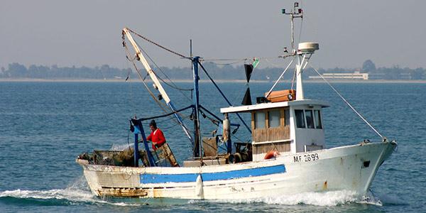 Trapani, le motovedette libiche sequestrano due pescherecci mazaresi