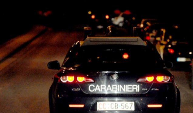 Napoli, furto d'auto e occultamento di targhe | Quattordici persone denunciate